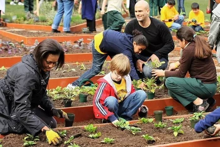 Teach Your Daughter to Volunteer Day